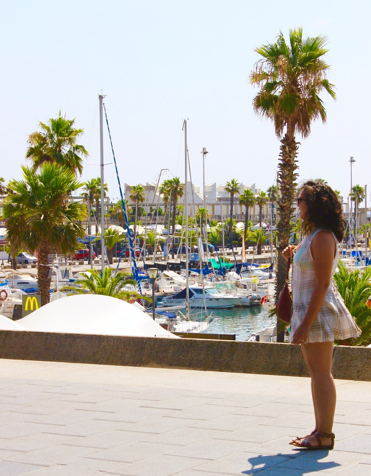 barcelona icaria beach port olympic