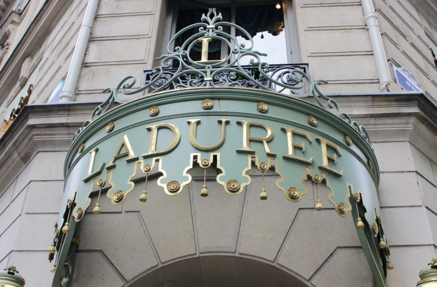 champs elysees laduree paris