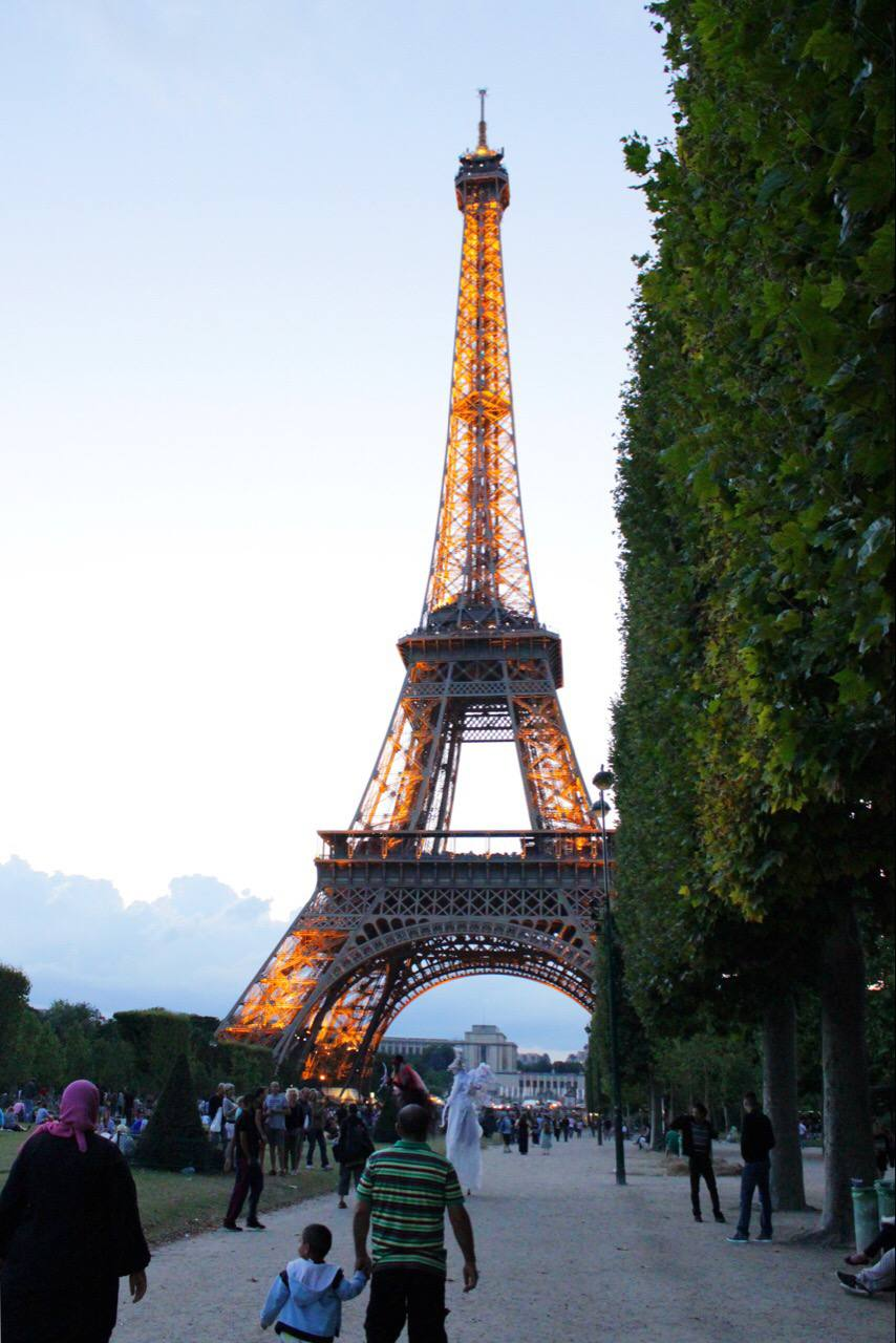 eiffel-tower-paris-france-setarra-5